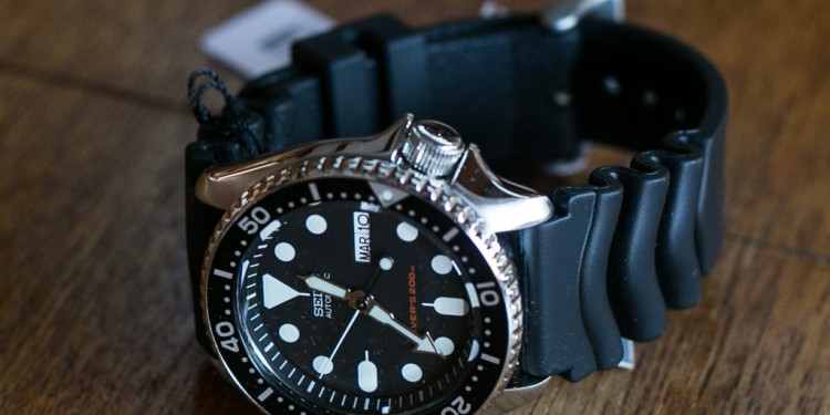 Seiko SKX007 Unboxing - Close view of the brand new SKX007