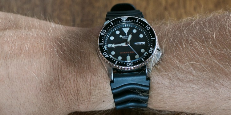 Seiko SKX007 Unboxing - Wrist shot of brand new SKX007