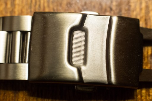 Strapcode Super Oyster Review – Bracelet Clasp Front