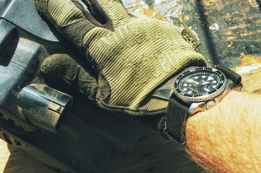 Seiko SKX007 Wrist shot while sanding wood