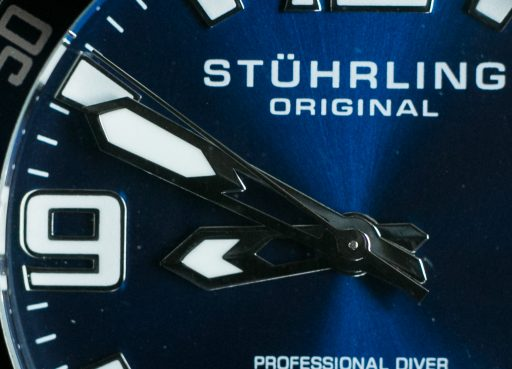Stuhrling-Aquadiver-Regatta-Review-Handset