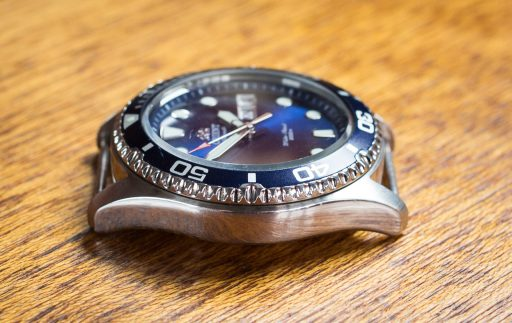 Orient Ray II Review – Case left side
