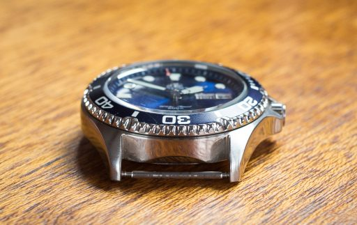 Orient Ray II Dive Watch Review – Case low side